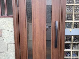エクステリアリフォーム 防犯面も安心な電子錠つきの玄関ドア