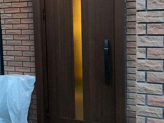 エクステリアリフォーム 使い勝手が向上した電子錠つきの玄関ドア