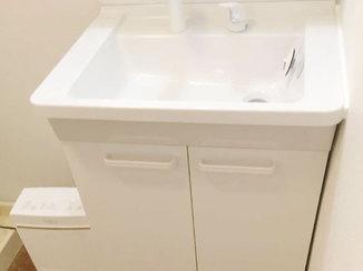 洗面リフォーム 白を基調とした清潔感のある水廻り