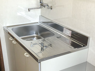 キッチンリフォーム 機能的でスッキリとした賃貸物件の水廻り