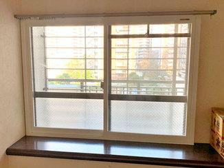 内装リフォーム カーテンレールを取り付けられる窓枠の内窓