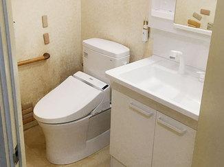 トイレリフォーム お掃除がしやすくて便利な最新式のトイレと洗面台