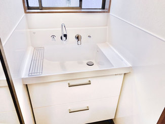 洗面リフォーム 水はねを気にせず使える洗面台