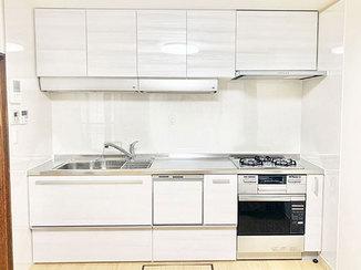キッチンリフォーム 3口コンロ&食洗機の便利なキッチンと、明るく快適になった和室