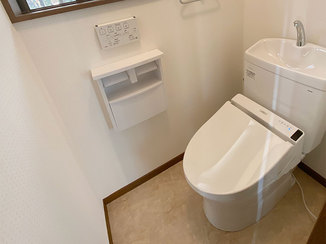 トイレリフォーム シンプルですっきりした1F&2Fのトイレ