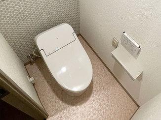 トイレリフォーム 内装材にこだわった、カッコよくてお掃除しやすいトイレ