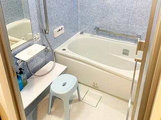 バスルームリフォーム 機能が充実したリッチなバスルームとひろびろ使える洗面台