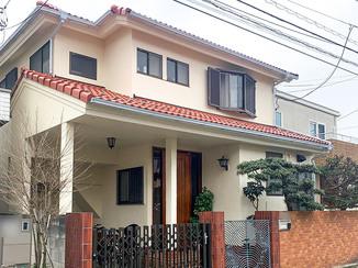 外壁・屋根リフォーム 劣化した手すりもあわせてキレイに塗り替えた外壁&屋根