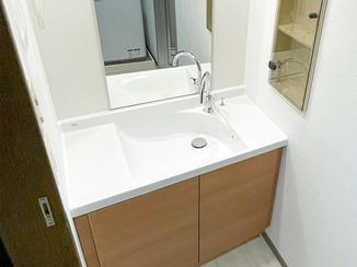 洗面リフォーム お部屋にぴったり合うサイズの、オーダーメイドのような洗面台