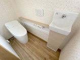 トイレリフォーム1日で施工完了!新しく手洗いのついたトイレ
